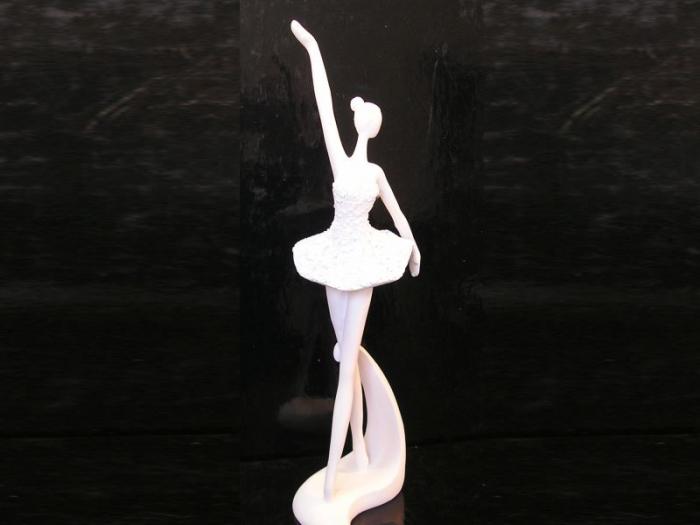 Soška bílá baletka, tanečnice