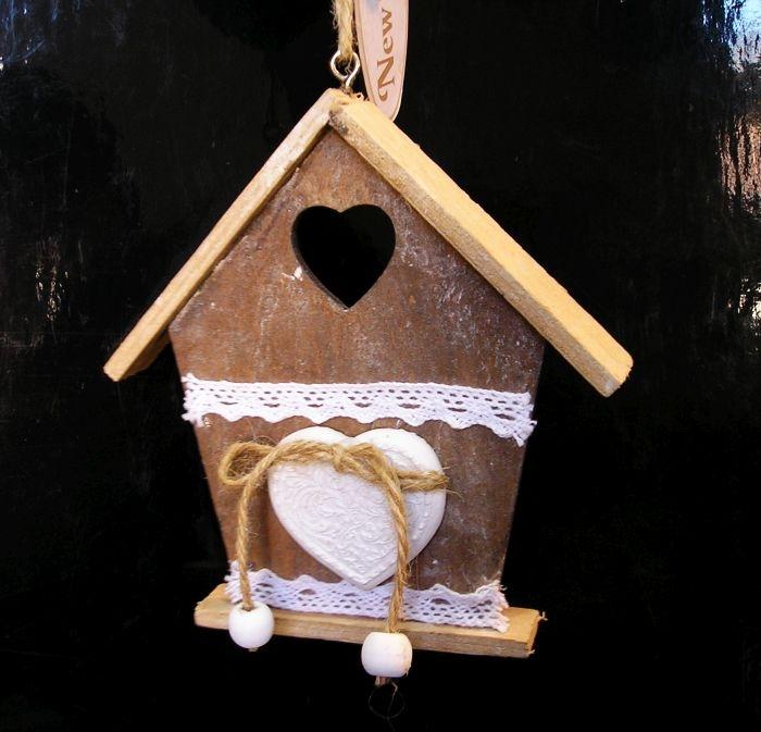 Dřevěný domeček, domek, závěsná dekorace