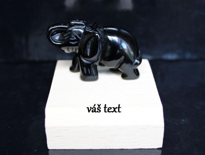 Slon-figurka-darek obsidian