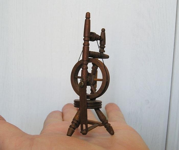 Kolovrátek dřevěná dekorace, dárek
