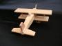Dětské letadla ze dřeva na hraní.