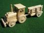 Traktor hračka pro děti s nápisem