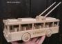 Hračka trolejbus ze dřeva s věnováním k narozeninám
