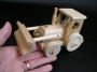 dreveny-traktor-hracky-pro-deti-na-vanoce