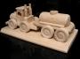 Dárek vůz cisterna, dřevěná hračka pro řidiče