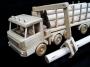 Nákladní auto pro přepravu dřeva