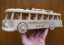 Autobus hračka ze dřeva s vypáleným věnováním